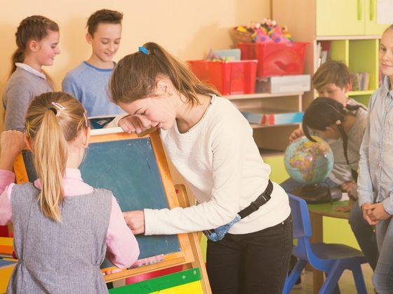 Enfants en classe d'école
