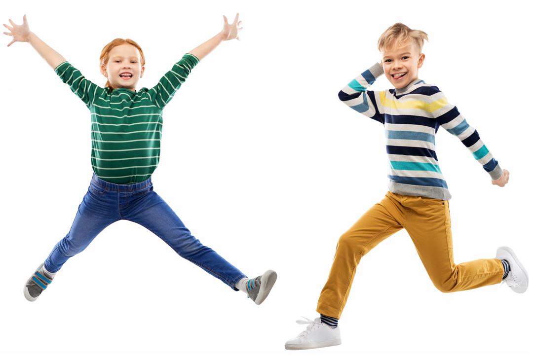2 enfants en train de souter